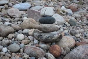 kauniita kiviä Tenon rannalla