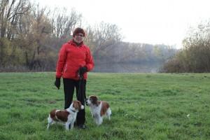 Liisa, Prinka ja Kelmi kanavan varressa.